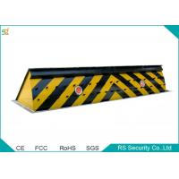 Seuciryt Traffic Retractable Barrier Gate Carrying  Capacity 120 Tons Manufactures
