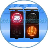 High Quality Solar LED Traffic Light for road safety Manufactures