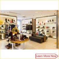 Retail Luxury Wood Flooring Handbag Store Display Rack with customized size Manufactures