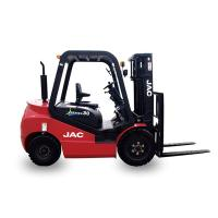 Nissan Engine Powered Gasoline Forklift Truck 3 Ton Load Capacity Low Emissions Manufactures