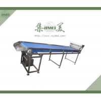 Hot selling belt type dates etc fruit and vegetable  selecting conveyor Manufactures
