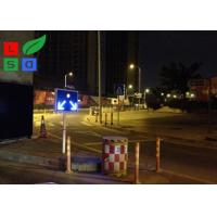 Freestanding LED Solar Powered Sign Lights , Traffic Safety IP65 Commercial Solar Sign Lights