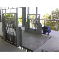6m 2000Kg Guide Rail Elevator , Cargo Loading Aerial Working Manufactures