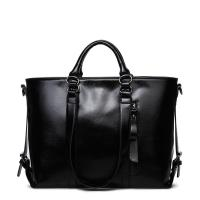 Classic Large Capacity Black Leather Shoulder Bag , Women Messenger Bags With Adjustment Buckle Manufactures