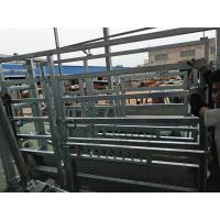 1.8M X 2.1M Cattle yard panels hot dipped galvanized 14 microns silver painted Manufactures