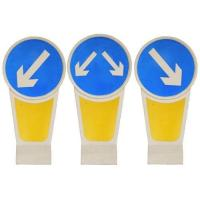 China Illuminated Traffic Bollards Solar Powered LED Warning Signs Safety Dividers on sale
