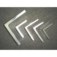 Customized Alloy Aluminum Extrusion Corner / aluminium angle extrusions Manufactures