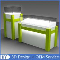 Modern Fashion White Green Wooden Glass Display Plinths With Free Design Service Manufactures