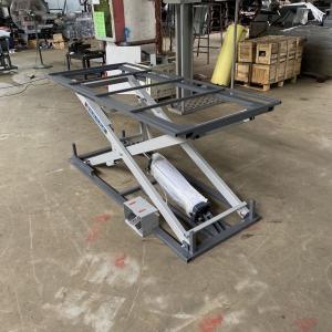 0.6Mpa Sofa 120cm Height Pneumatic Lifting Table  200cm Length Manufactures