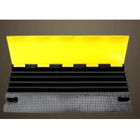 Quality PVC Cover Rubber Road Hump High Quality Rubber Base With Channels For 2 Cable for sale