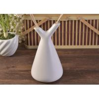 White Empty Diffuser Bottles , Ceramic Essential Oil Diffuser With Rose & Sticks Manufactures