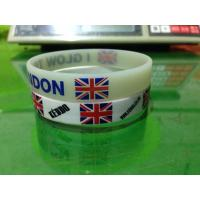 Customized designs and logo 100% Silicone chain bracelet for women Manufactures