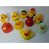 Bath Floating Mini Rubber Ducks Harmless Holiday Design For Children Gifts Manufactures