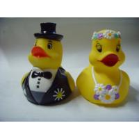 Wedding Bride / Groom Christmas Rubber Duck Floating Water Resistant OEM Manufactures