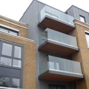 China Aluminum Deck Railing U Channel Aluminum with Glass Railing for Balcony on sale