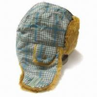 Men's Trapper Hat, Suitable for Winter Season, Made of Plaid Polyester and Fake Fur Manufactures