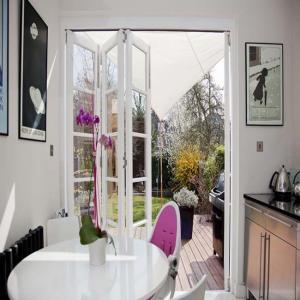 Thermal Break Commercial Aluminum Frame Glass Doors Folding / Bifolding Customized Manufactures