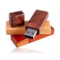 Custom Printed Red Wood USB Flash Drive Keychain With Password Protect Manufactures