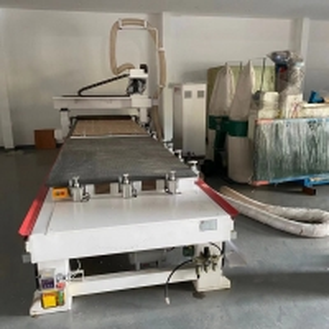 Servo Motor 12kw HSD Shaft 30m/Min CNC Sofa Cutting Machine Manufactures