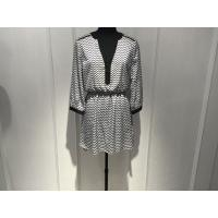 Women Black And White Print Dress , Long Sleeve V Front Dress Spring / Autumn Manufactures