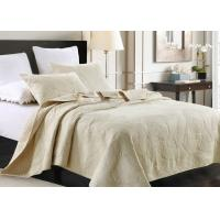 Country Style Leaf Twin Size Quilt , 3Pcs 100% Cotton White Embroidered Quilt Manufactures