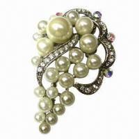 Pearl brooch, made of zinc-alloy Manufactures