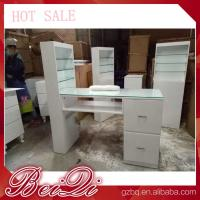 Modern manicure table vacuum and nail salon furniture cheap nail table white color Manufactures
