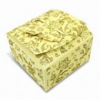 Gift Packing Box with Glitter Gold Powder on Surface, Butterfly Design in Opening Manufactures