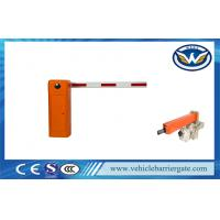 Electric Vehicle LED Light Rubber Automatic Parking Lot Barrier Gates With Arm Auto Reverse Manufactures