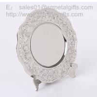 Metal crafted Silver collectible souvenir plate with display stand, metal gifts and crafts Manufactures