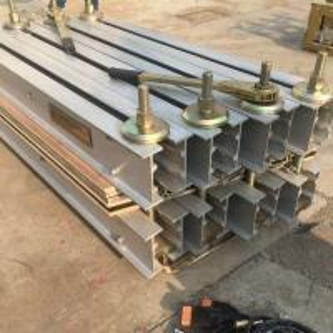 China Steel cord conveyor belt press machine for hot vulcanization on sale