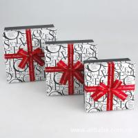 Paper Gift Box, Cardboard Chocolate Packaging Boxes With Ribbon 5 * 5 * 3 Inch Manufactures