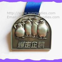 3D engraved penguin medals, OEM zinc alloy 3D metal medal with ribbon China Manufactures