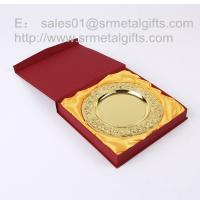 Custom gold commemorative plate with stand, detailed raise flower gold tray with gift box, Manufactures